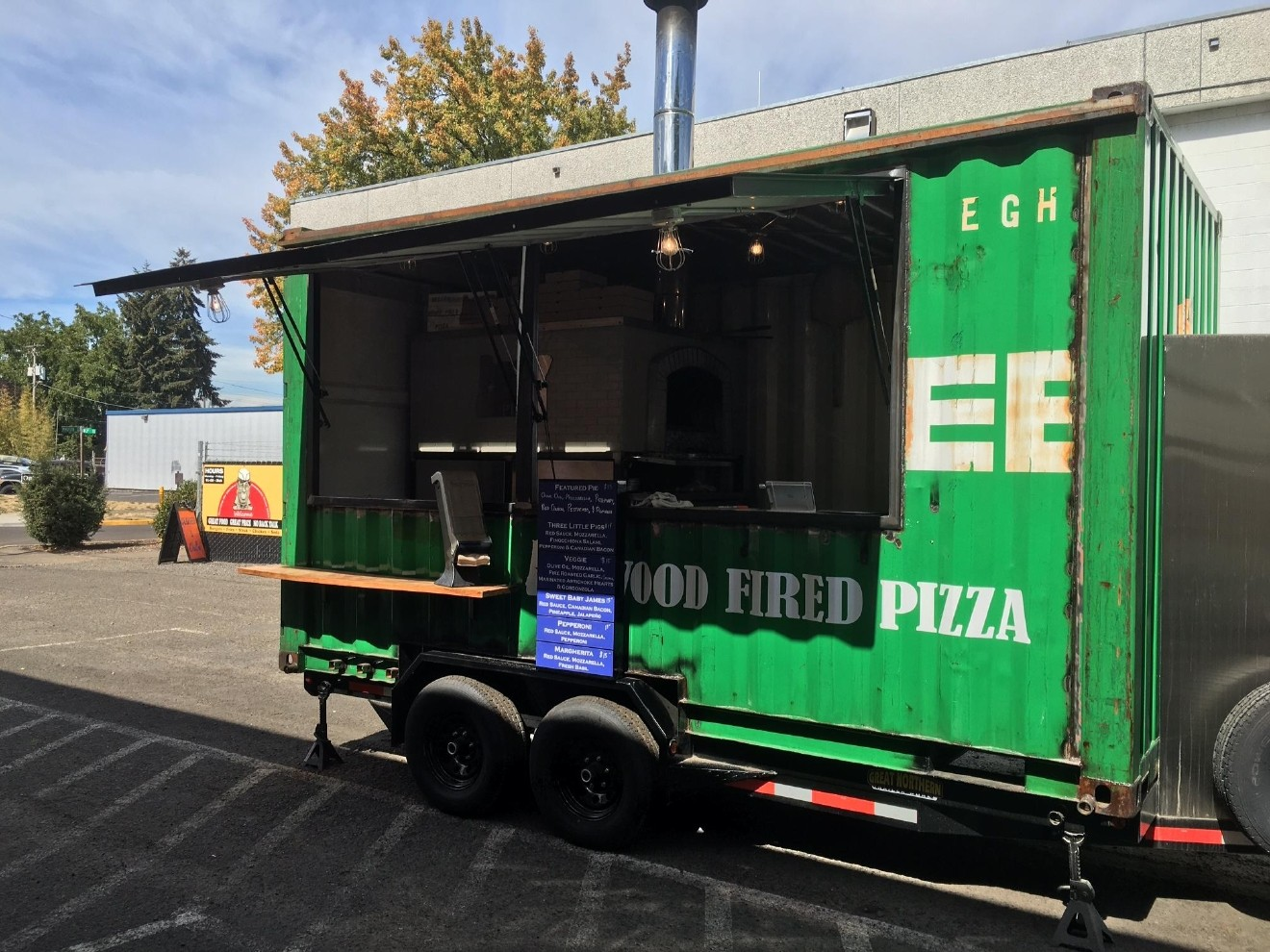 Oregon Wood Fired Pizza Serves Up Fresh Pizzas Right Out Of Their Own Brick Oven