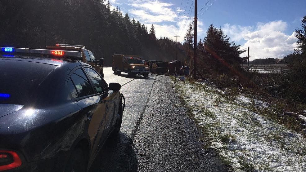 Police: Girl, 10, and adult woman killed in crash on Hwy 101