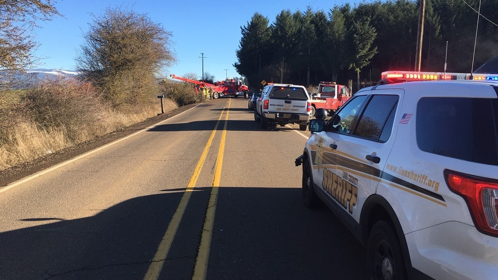 Crash on icy Oregon road claims life of 18-year-old driver