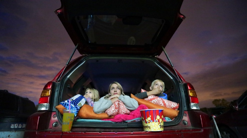 Oregon's 99W Drive-In still a hot ticket on a summer night | KVAL