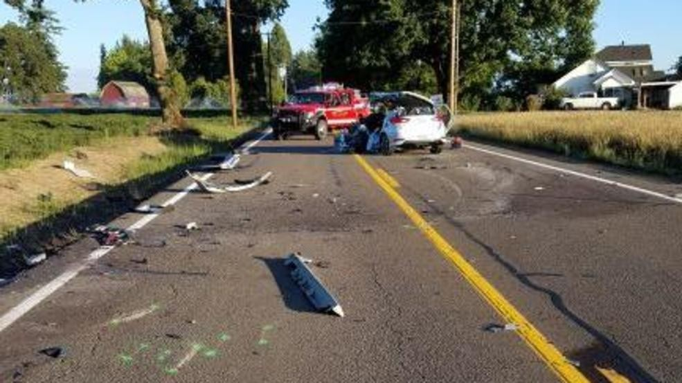 Corvallis man killed, 2 others injured in head-on crash on