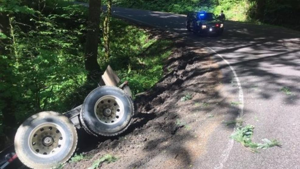 Hwy 34 southwest of Corvallis closed Thursday to clean up semi wreck