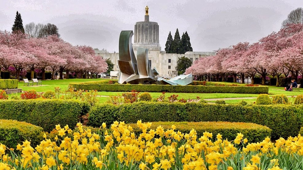 Oregon state workers could see raises of up to 15% | KVAL